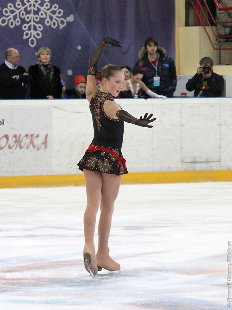 Запись золотоносного выступления Юлии Липницкой в Сочи 2014, её фото с чемпионатов