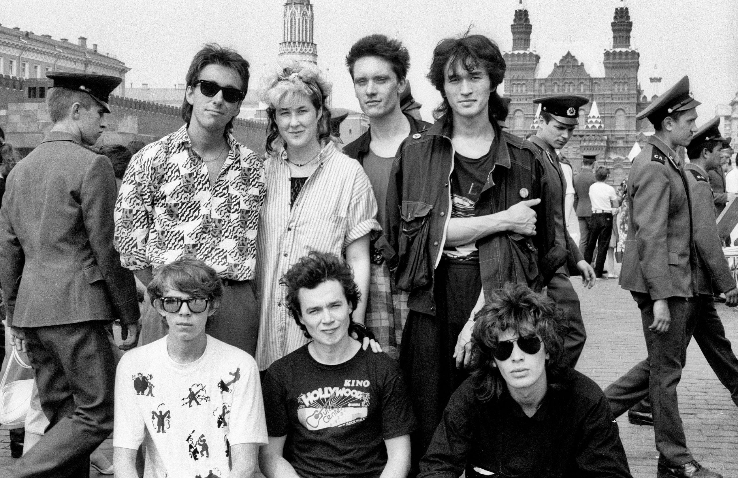 Редкая, старая фотография Виктора Цоя и группы Кино на Красной Площади